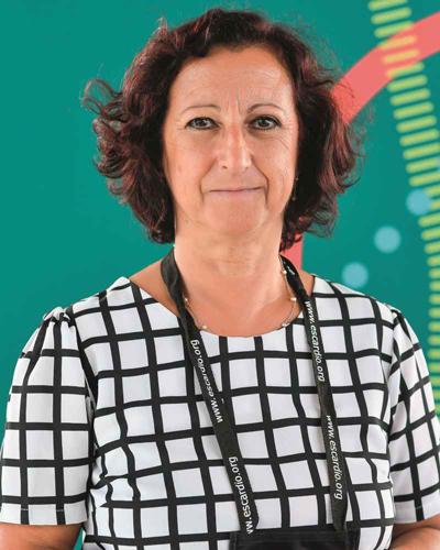 Prof. Cândida Fonseca